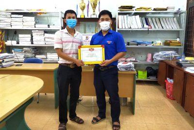 Quảng Ngãi: Thầy giáo tổng phụ trách đội dũng cảm cứu hai em bé đuối nước